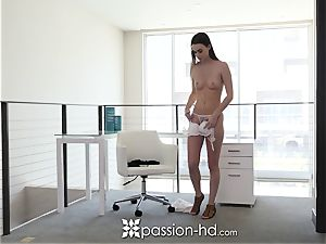 PASSION-HD Welcome home smash and facial with Tali Dova